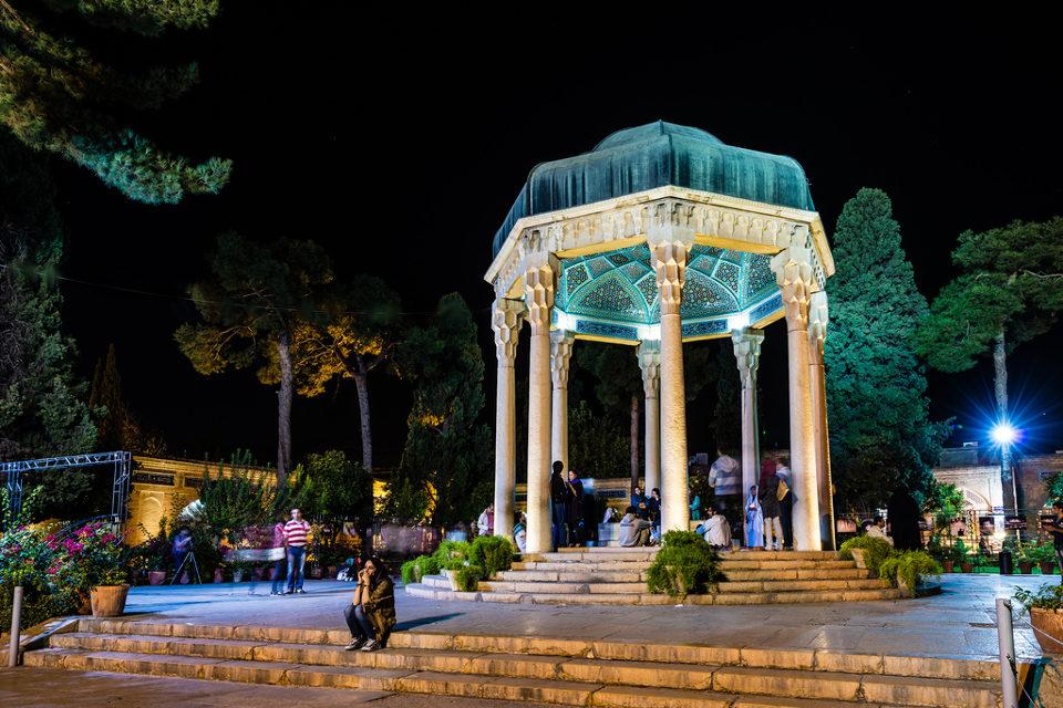 Claire Zoghb – Sleeping with Hafiz