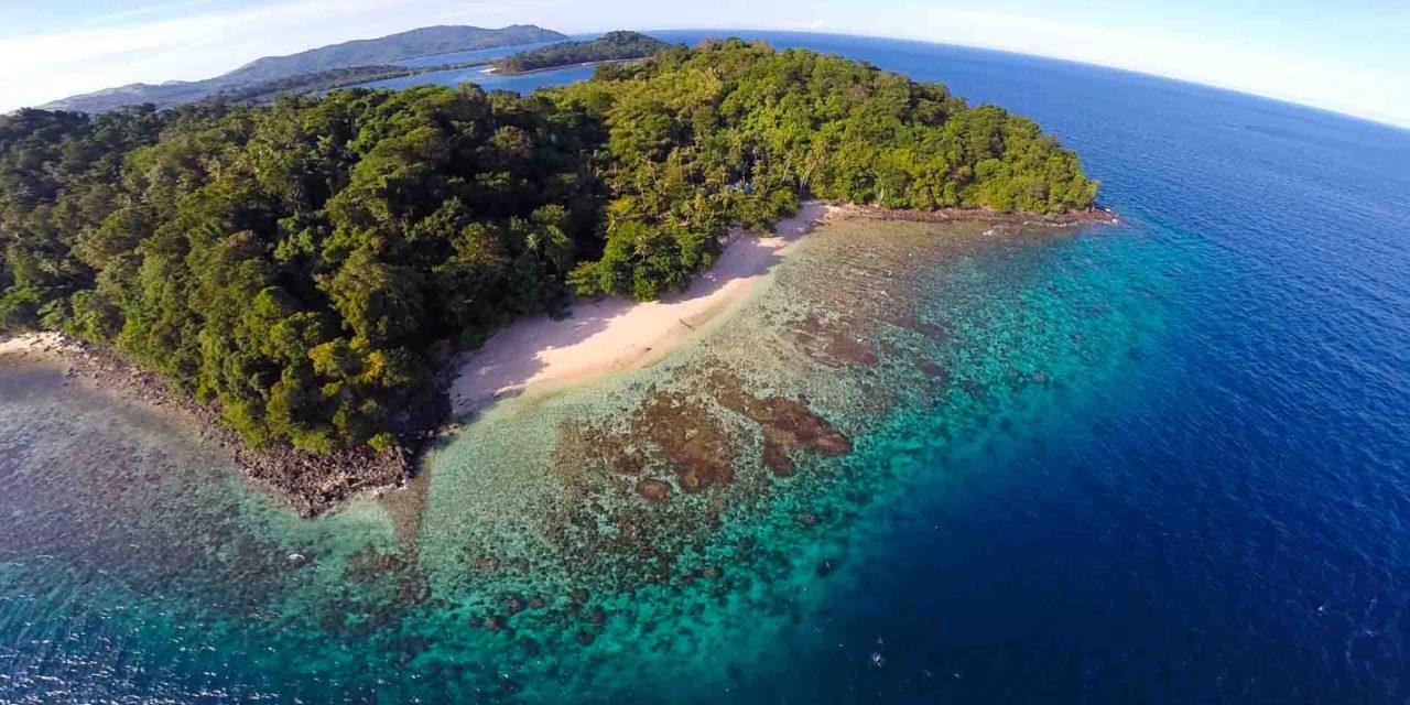 Michael Paul Hogan – The Fishermen of Dragon-Tooth Beach
